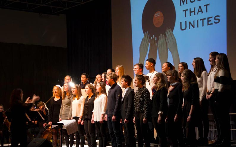 """Music that Unites"" – Konzert am Helmholtz Gymnasium"